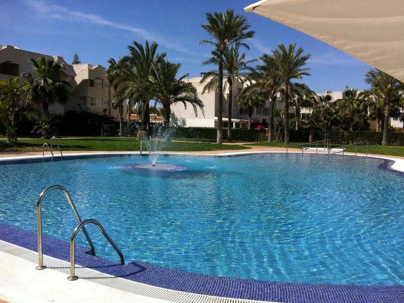 Vera Playa Apartament in La Aldea Puerto Rey 1 D, holiday rental in Puerto Rey
