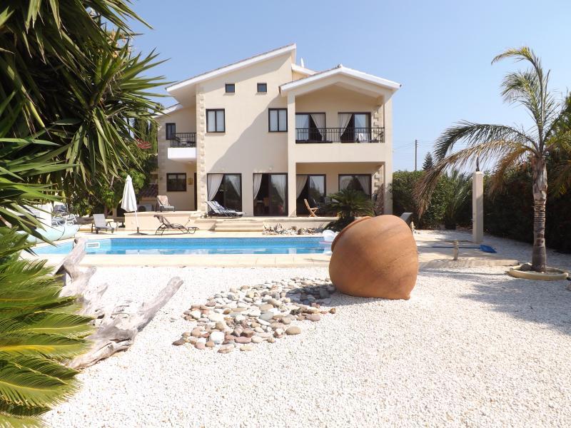 Luxury Villa Pelagia Secret Valley Development  - private pool/optional heating, alquiler vacacional en Kouklia