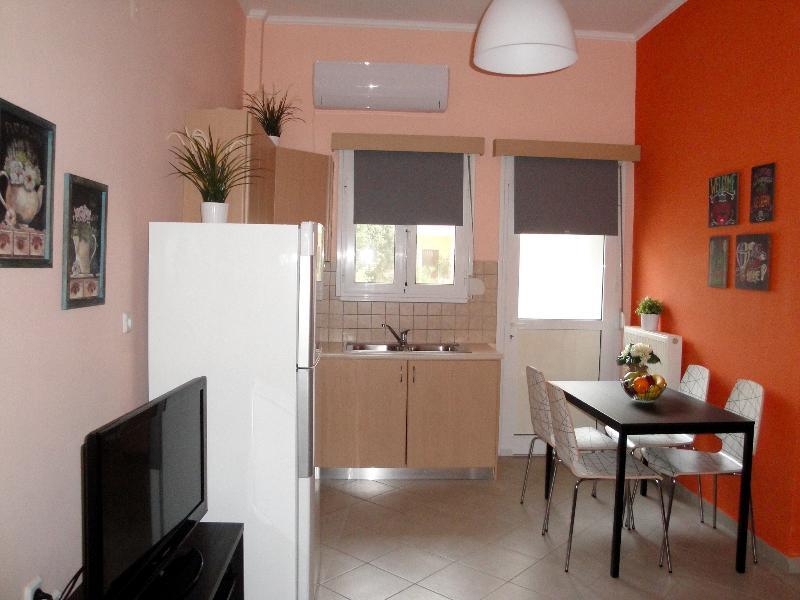 Peaceful Corner - Orange, holiday rental in Mytikas