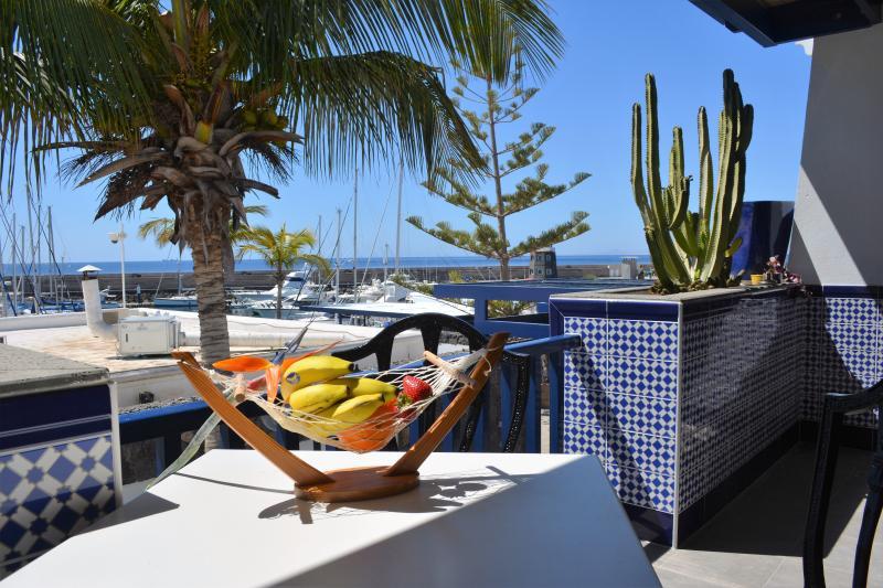 Apartamento en 1ª línea de mar, location de vacances à Puerto Calero