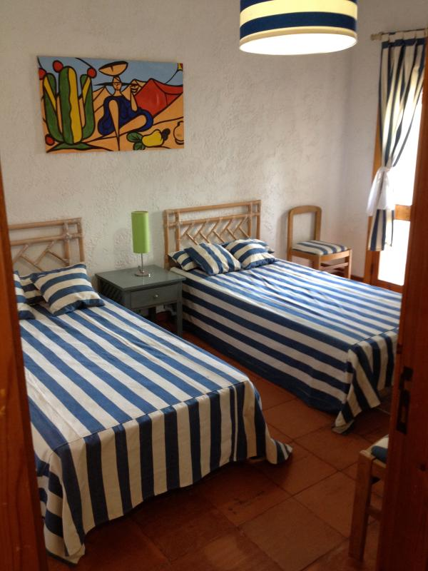 Single Room - 2 beds