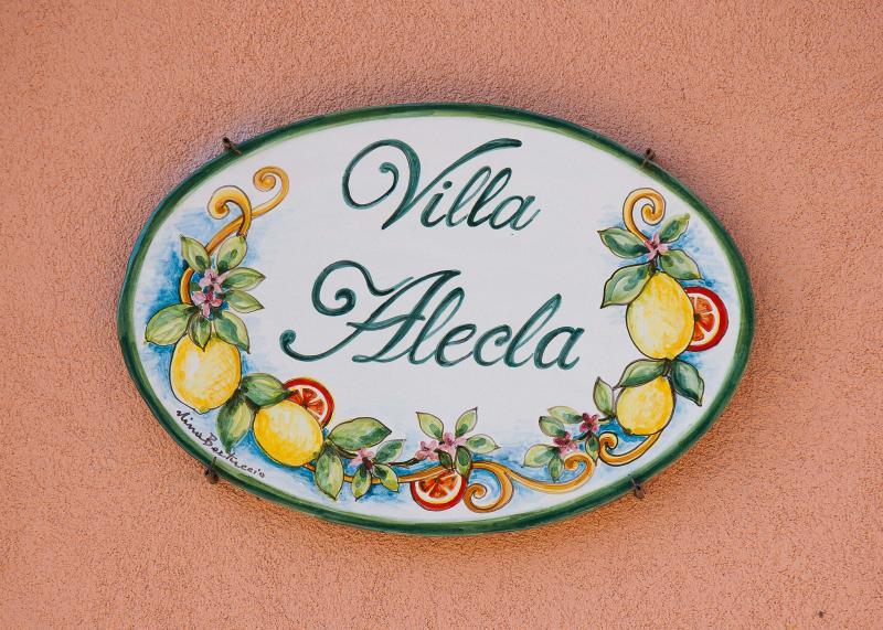 Logo of the Villa.