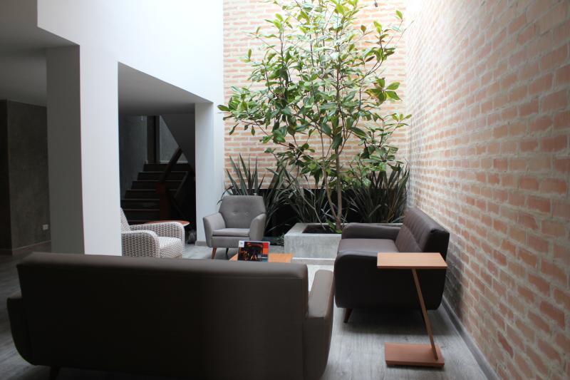 Luxurious house for groups in the heart of Bogota!, alquiler de vacaciones en Bogotá