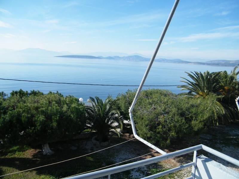 Finikas Apartments, location de vacances à Iria