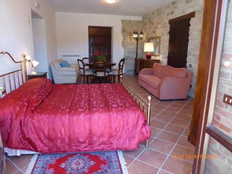 Baroncelli  Bellavista di Mengara Appart. 'AQUILA', vacation rental in Ponte d'Assi