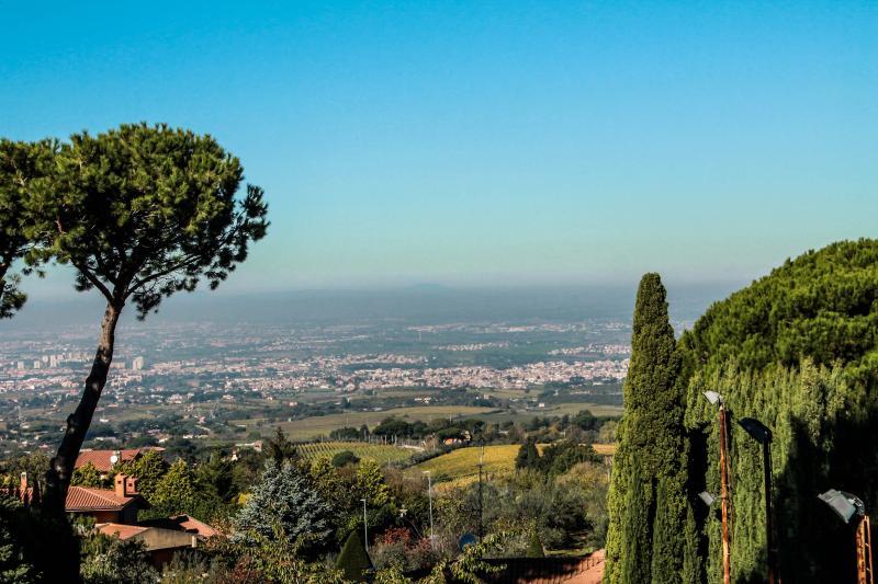 DOMUS MATIDIA, Vibia Sabinia appartamento in villa, holiday rental in Grottaferrata
