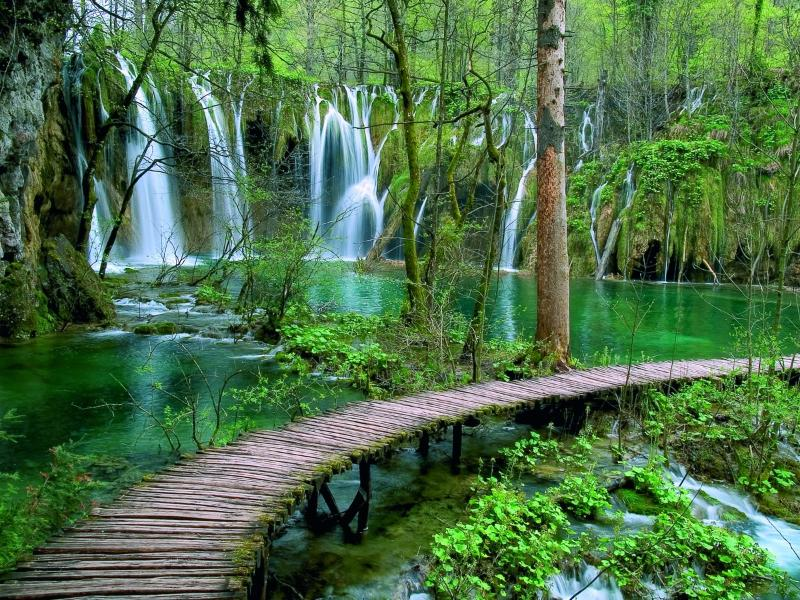 Welcome to Plitvice Lakes!!