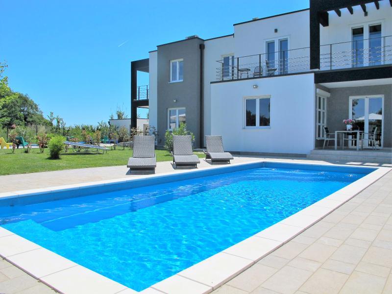 Villa Mirna, vacation rental in Liznjan