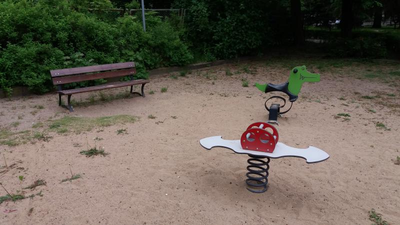 Park and playground nearby