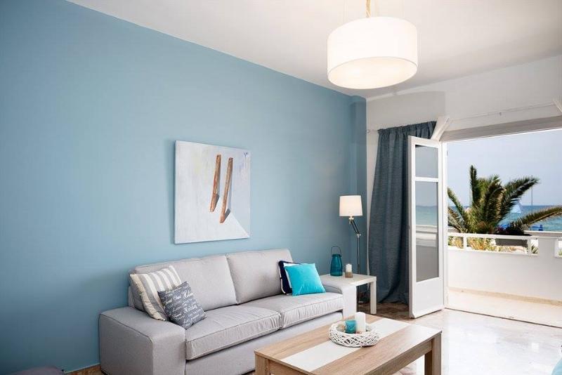 Lounge sofa with seaview
