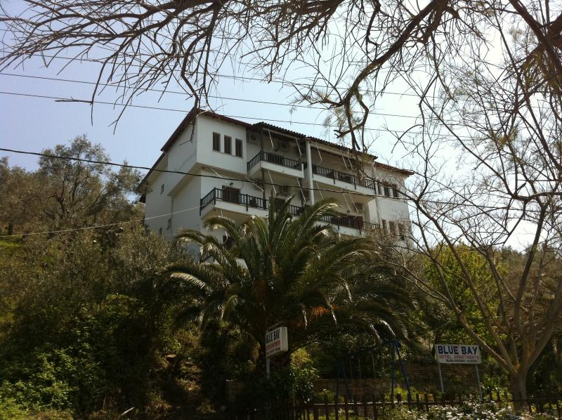 Blue Bay Hotel, location de vacances à Milina