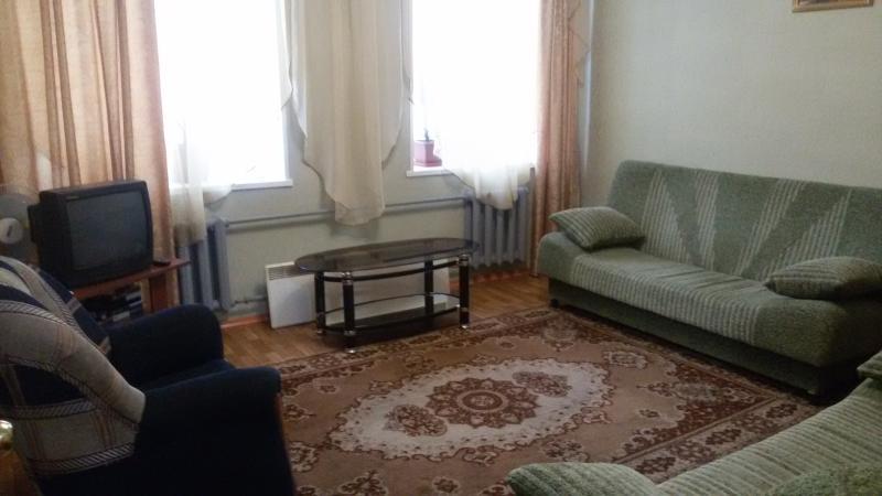 Rent 2-bedroom apartment., location de vacances à Kemerovo Oblast