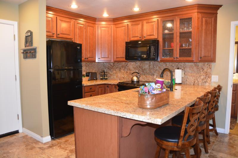 Fully upgraded kitchen with soft closing cabinets