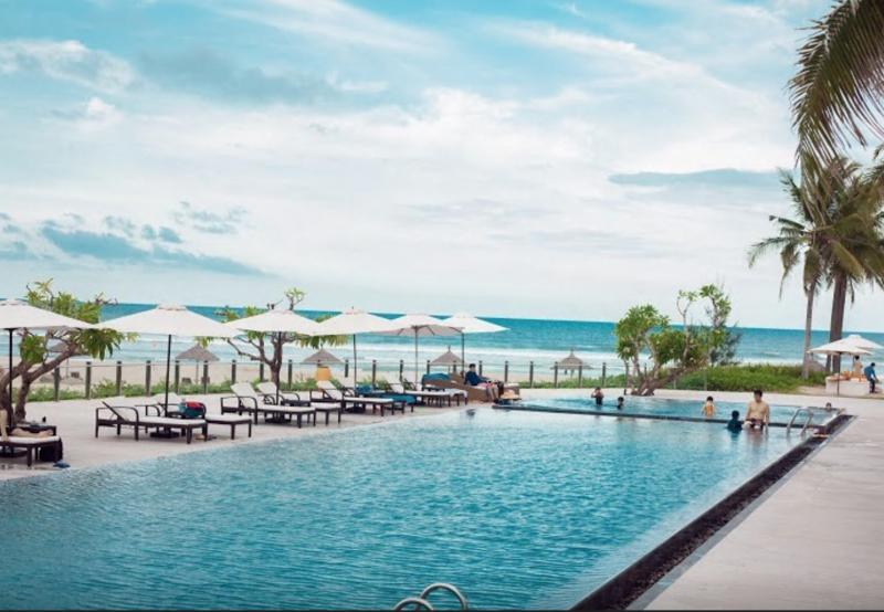 LUXURY APARTMENT in  5 ★ Resort/ Private beach/ Golf/ Pool, aluguéis de temporada em Da Nang
