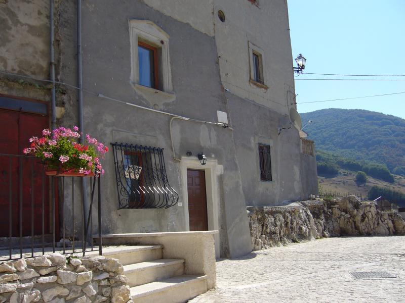 Antica casa vacanze, Rovere, Rocca di Mezzo (AQ), aluguéis de temporada em Avezzano