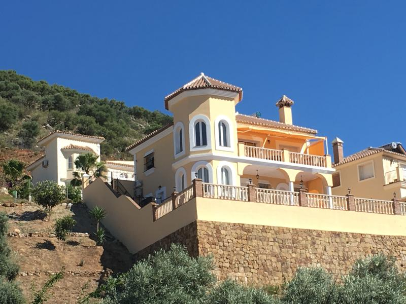 Villa Bella Vista on Sierra Gorda Coin, holiday rental in Coin