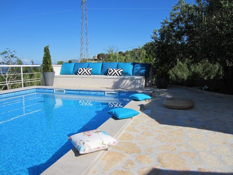 Appt Epidaurus 3 with swimming pool, alquiler de vacaciones en Cavtat