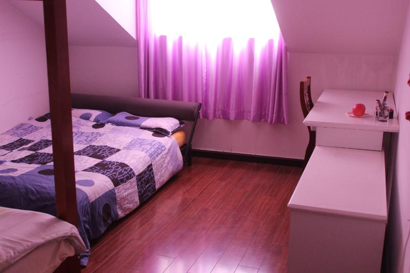 Space for 3 people. Laptop friendly space with Internet Access