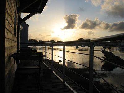 L'AUTRE MER...et sa vue exceptionnelle sur l'arrière port et la marée., vacation rental in Guilvinec