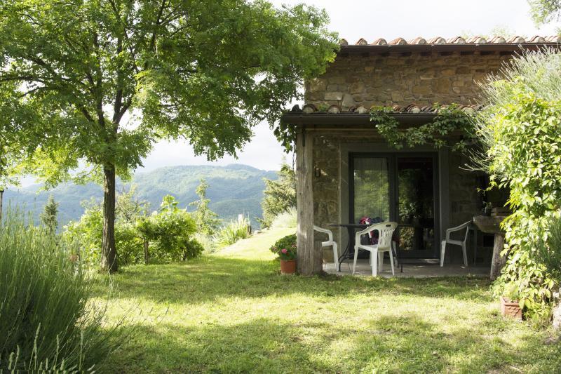 'La casetta nel bosco' senti la natura, holiday rental in Vicchio