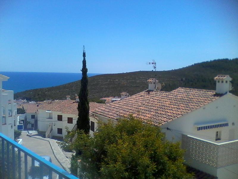 Vista principal mar y montaña
