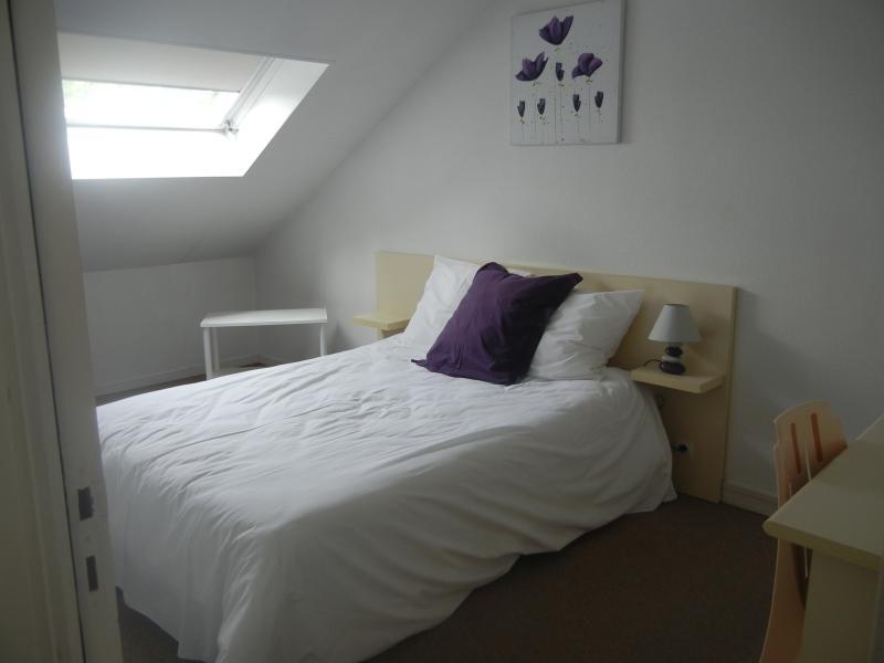 Bedroom in Caen Residence les Temporis