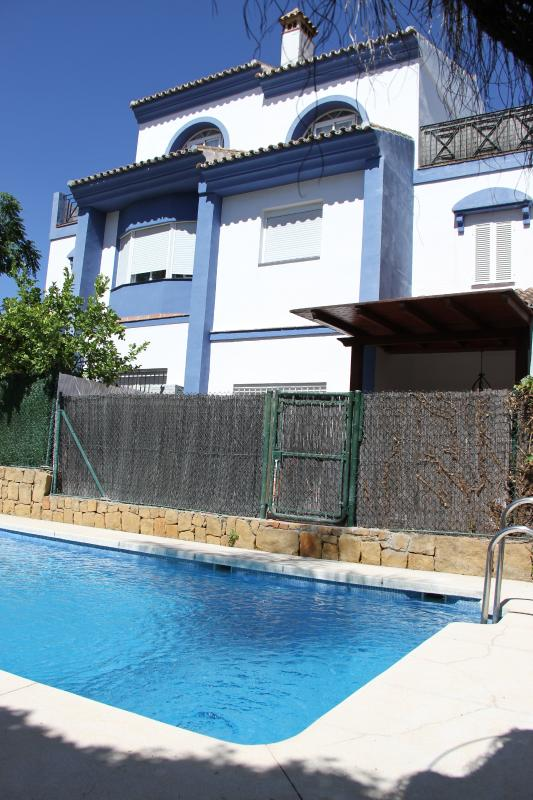 Great house, swimming pool with private access.