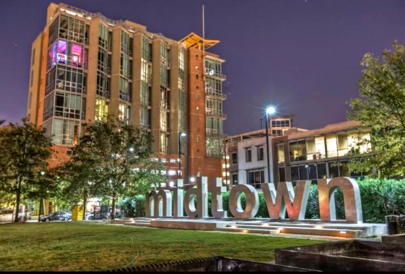 Midtown is Houston's entertainment district. Enjoy easy access to the best restaurants and pubs.