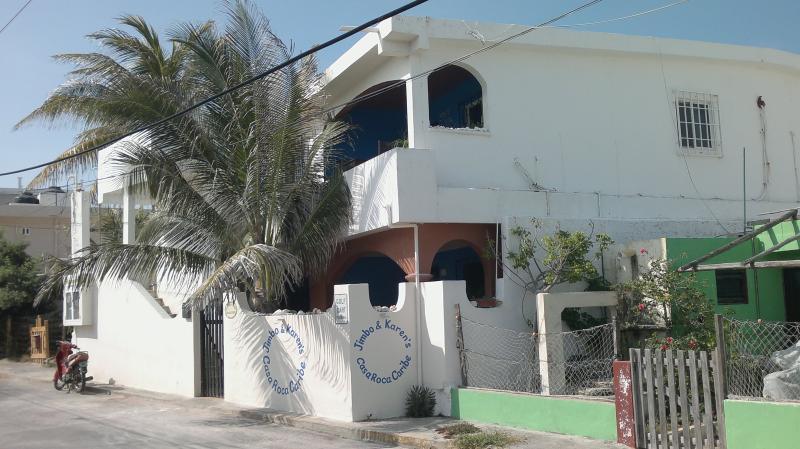 Casa Roca Caribe Blick auf die Straße