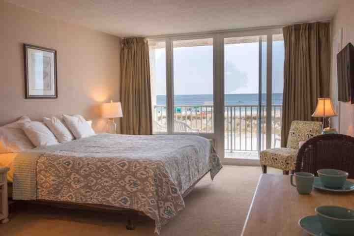 Comfortable King Size Bed w/ View of the Beach