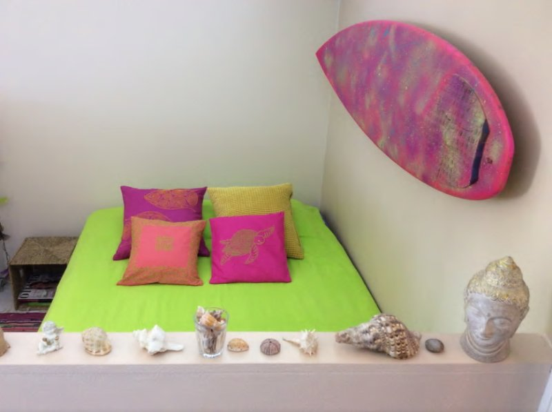 Colorful home in City - 6th floor studio + Wi-Fi, holiday rental in Uusimaa