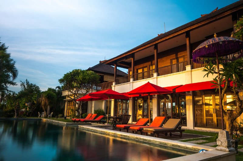Bali Beachfront  'Villa Puri Purnama' and B&B, vacation rental in Keramas