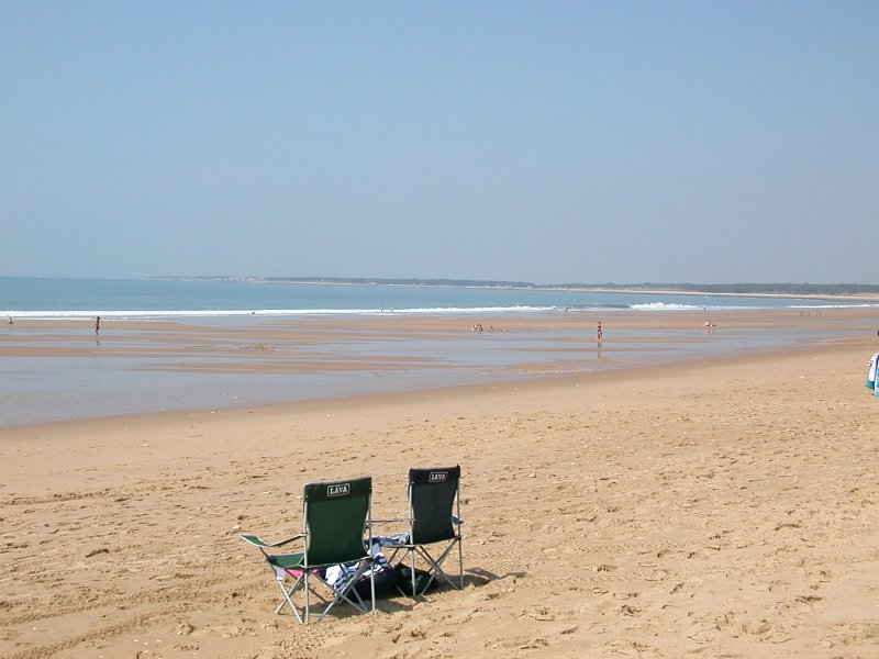 Sandy beaches just 10 mins away by car - just perfect :)