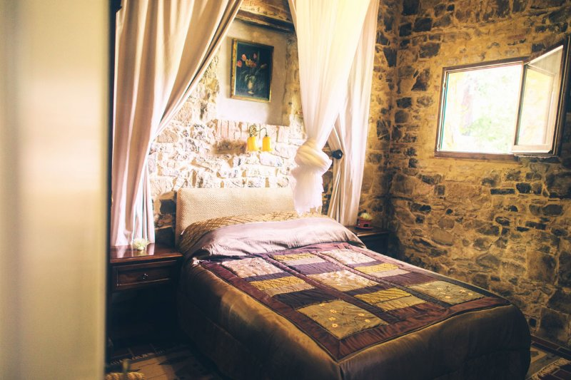 The romantic bedroom in Tinaia
