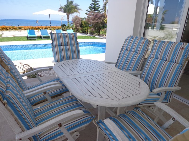 Latchi Riviera Beach Villa, holiday rental in Latchi