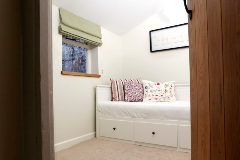 'Snug' room downstairs with daybed