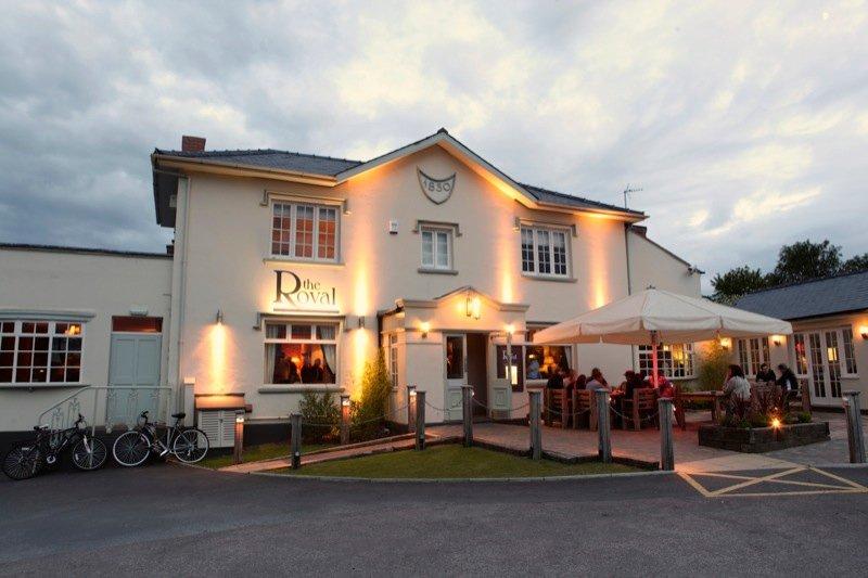 The fantastic Royal pub