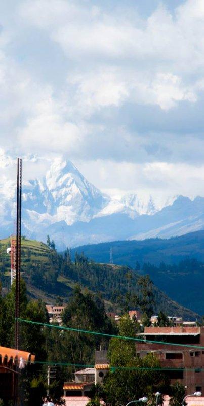Vista al Huascarán y Chopicalqui desde la ventana