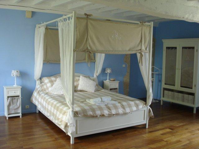 Chambre d'Hôtes La Romantique, casa vacanza a Saint-Floxel
