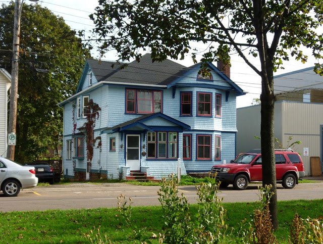 Downtown Apartment in Historic Home, alquiler de vacaciones en Charlottetown