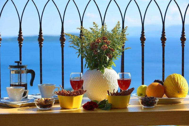 Villa Columba - Luxury Private Villa in Modern Residence, holiday rental in Mikros Gialos