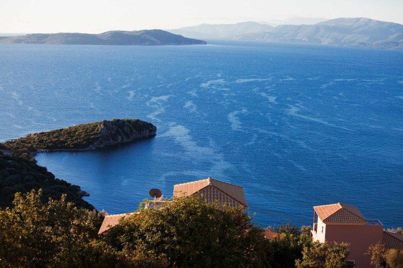 Villa Kalithea - Peaceful luxury villa in magical setting, holiday rental in Mikros Gialos