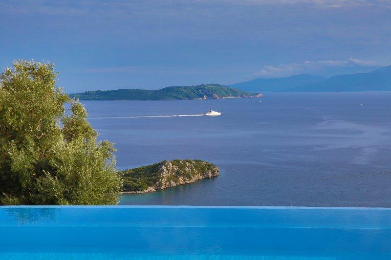 Villa Pegasus - Endless view on the Ionian sea, holiday rental in Mikros Gialos