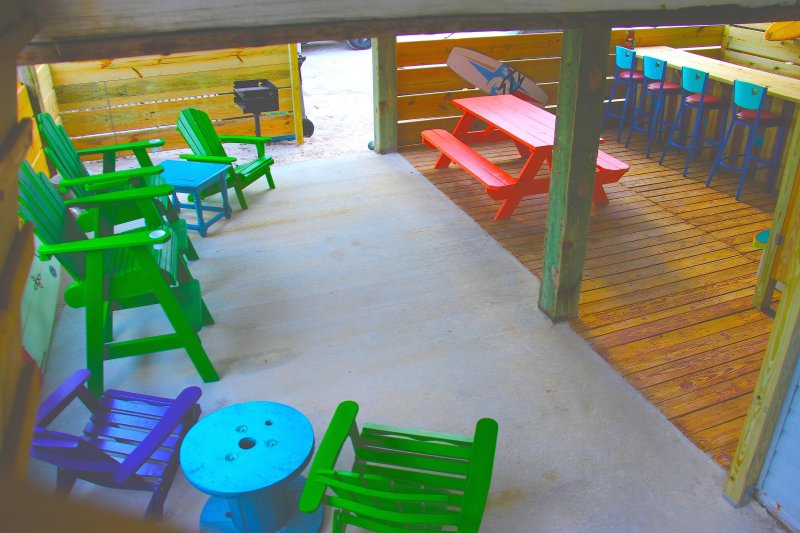 Best Tiki Hut on CSB! Your family will make memories here.