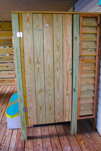 Our brand new outdoor shower in the tiki hut is amazing! It has hot and cold water.