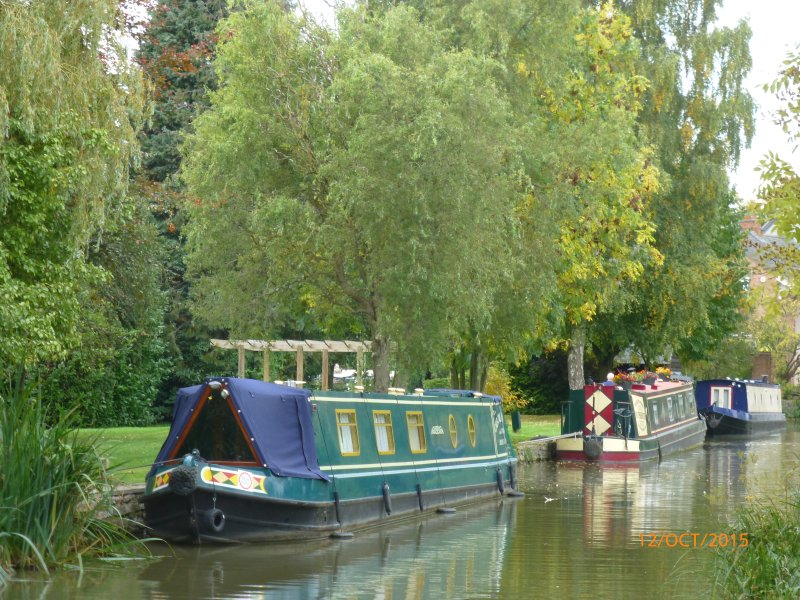Walk the many Canal paths at Wilmcote and Stratford