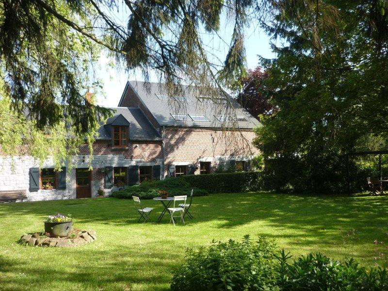 gîte rural  taille à genettes cadre champêtre non loin des lacs de l'Eau d'Heure, holiday rental in Cerfontaine