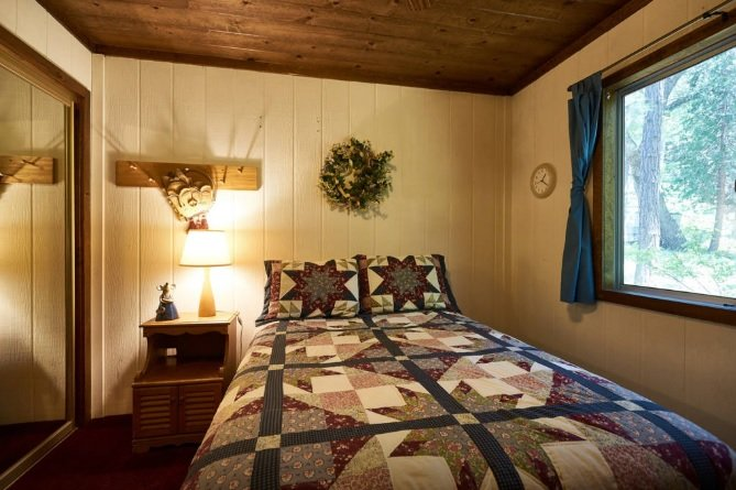 2ème chambre avec lit queen