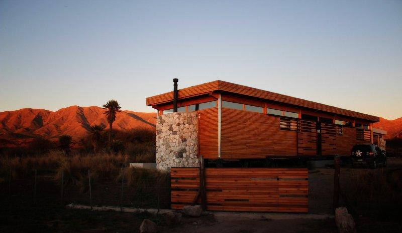 Eco casa de diseño en las Sierras de Córdoba, vacation rental in Central Argentina