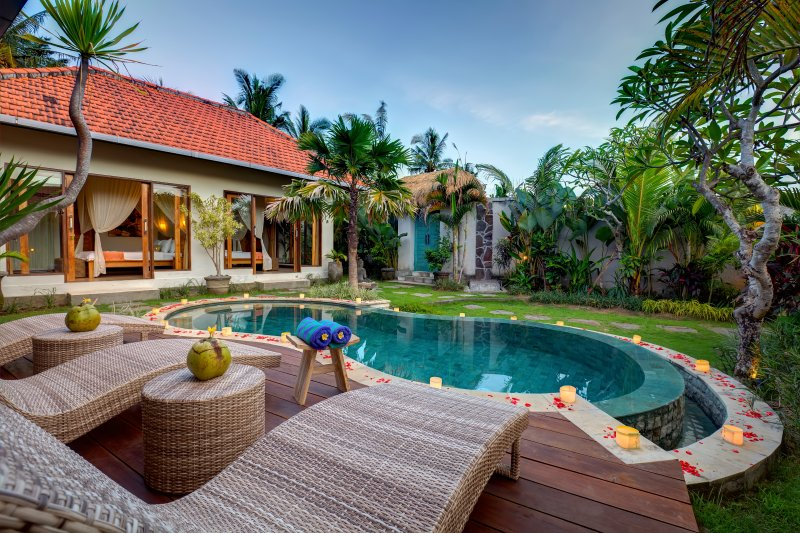 Little Paradise Villa close to Canggu, holiday rental in Tanah Lot